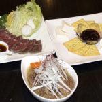 居酒屋 喜家武里(きゃんり) ピリ辛牛スジ煮込み・ローストビーフ・チーズクラッカー
